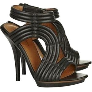 NEW Elizabeth and James Leather Ribbed Sandals